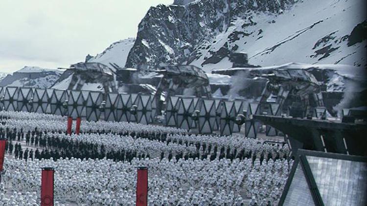 la-et-hc-star-wars-the-force-awakens-teaser-as-001.jpeg