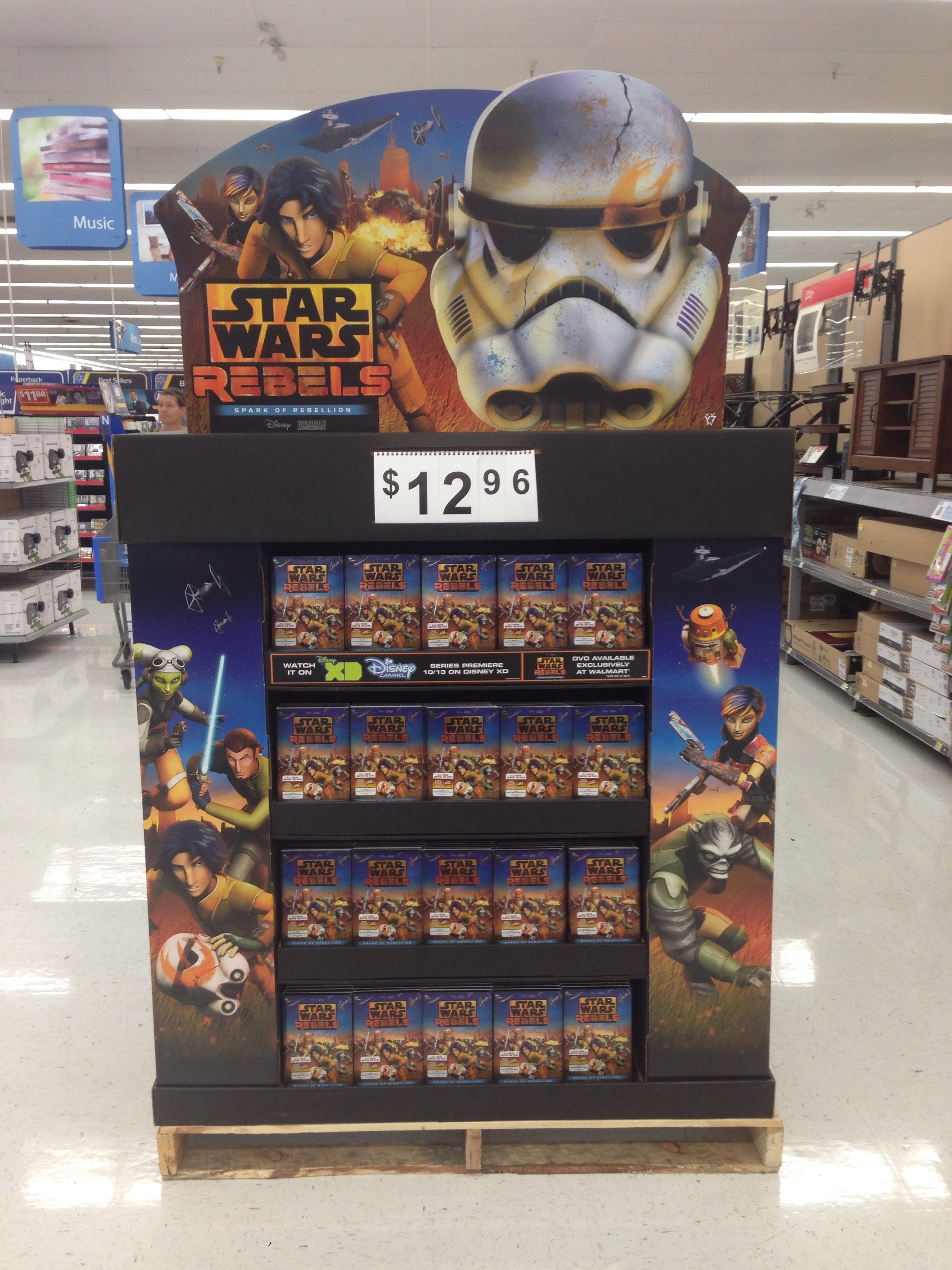 new styles 202bf 131cc Wal-Mart previews Star Wars Battlefront game, Darth Vader controller