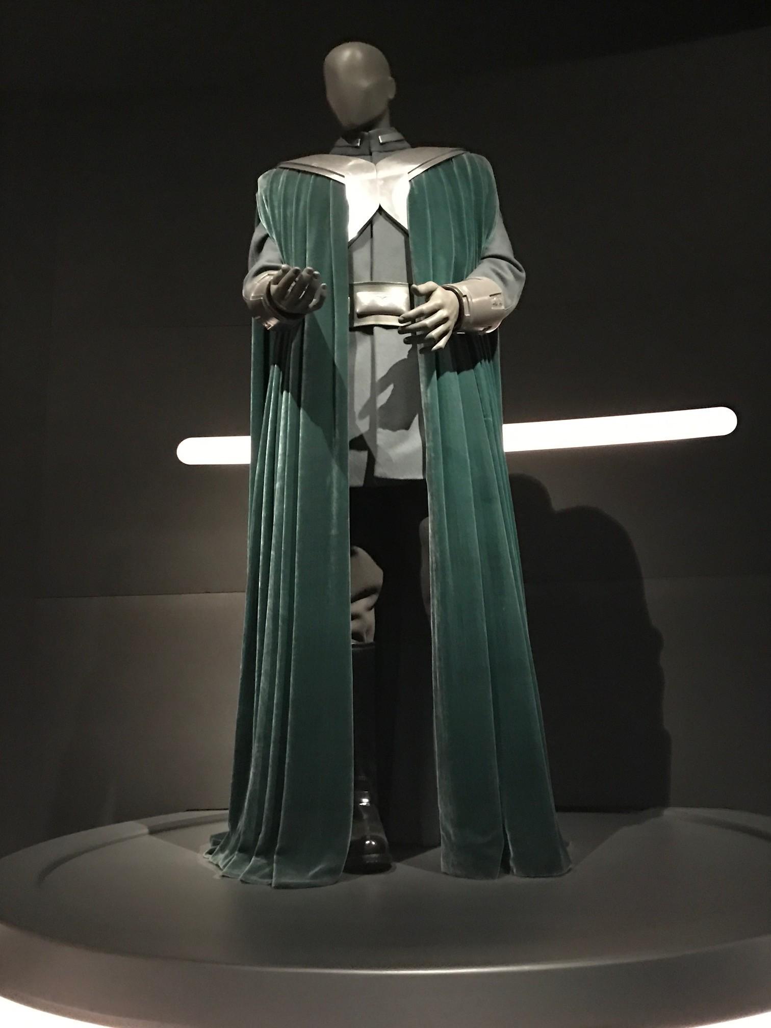 Full Senator Bail Organa costume