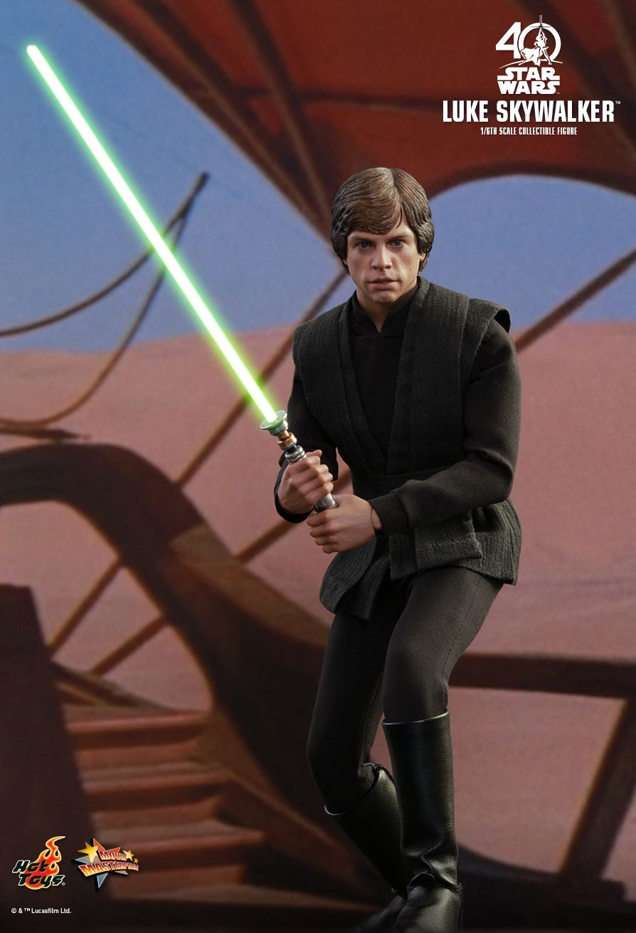 New 1 6th Scale Figure Of Luke Skywalker From Hot Toys