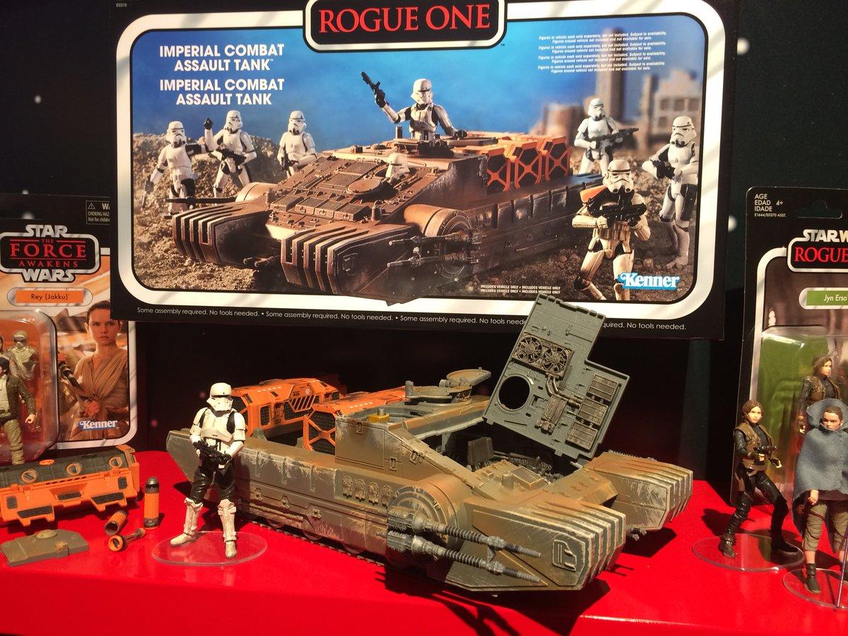 RO Imperial Combat Assault Tank Vintage Figure Set