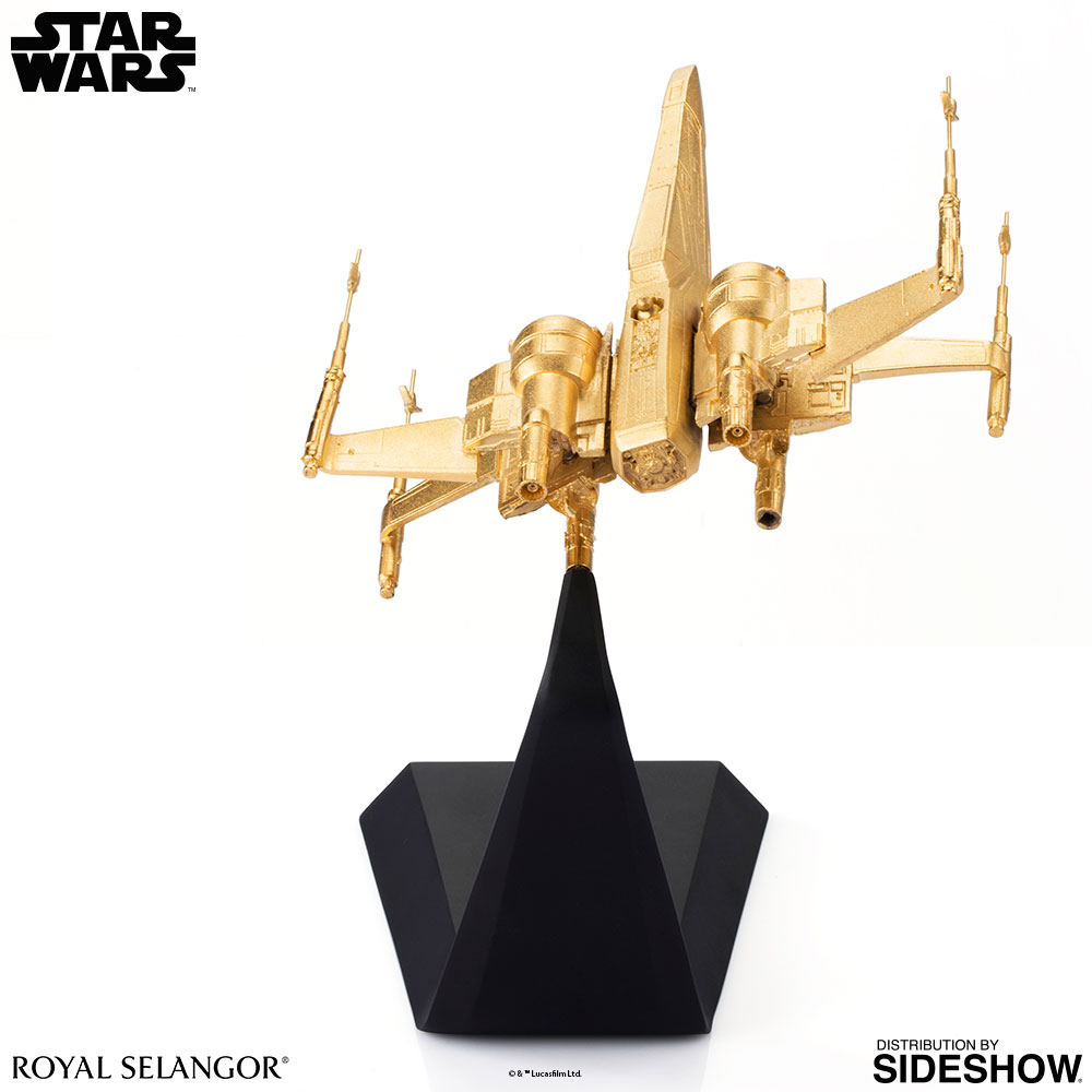 SW-Gilt-X-Wing-Starfighter-scaled-replica-06
