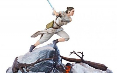 New Force Awakens Black Series Rey Centerpiece Figure now available!