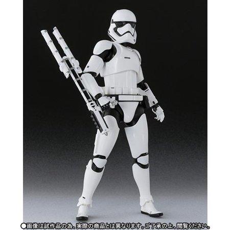 TFA S.H. Figuarts First Order Stormtrooper Figure 4