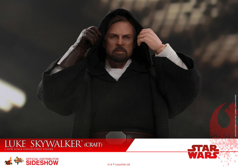 TLJ-Luke-Skywalker-(Crait)-sixth-scale-figure-02