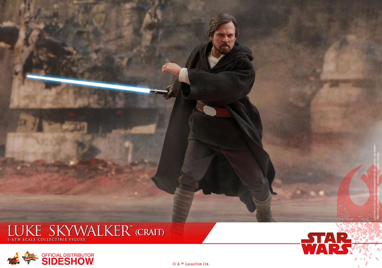 TLJ-Luke-Skywalker-(Crait)-sixth-scale-figure-03