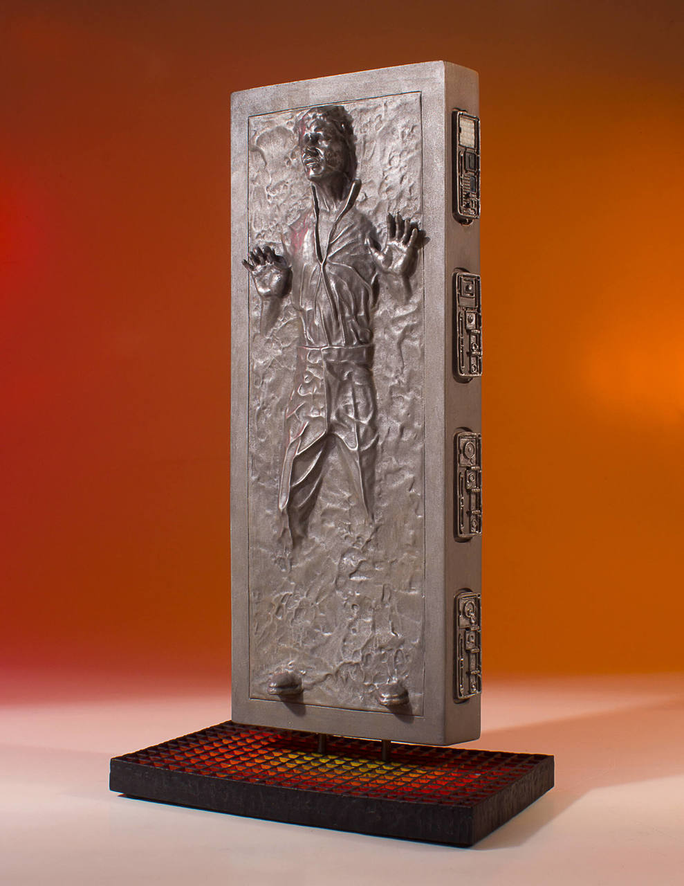 TESB Han Solo In Carbonite Collectors Gallery Statue 3
