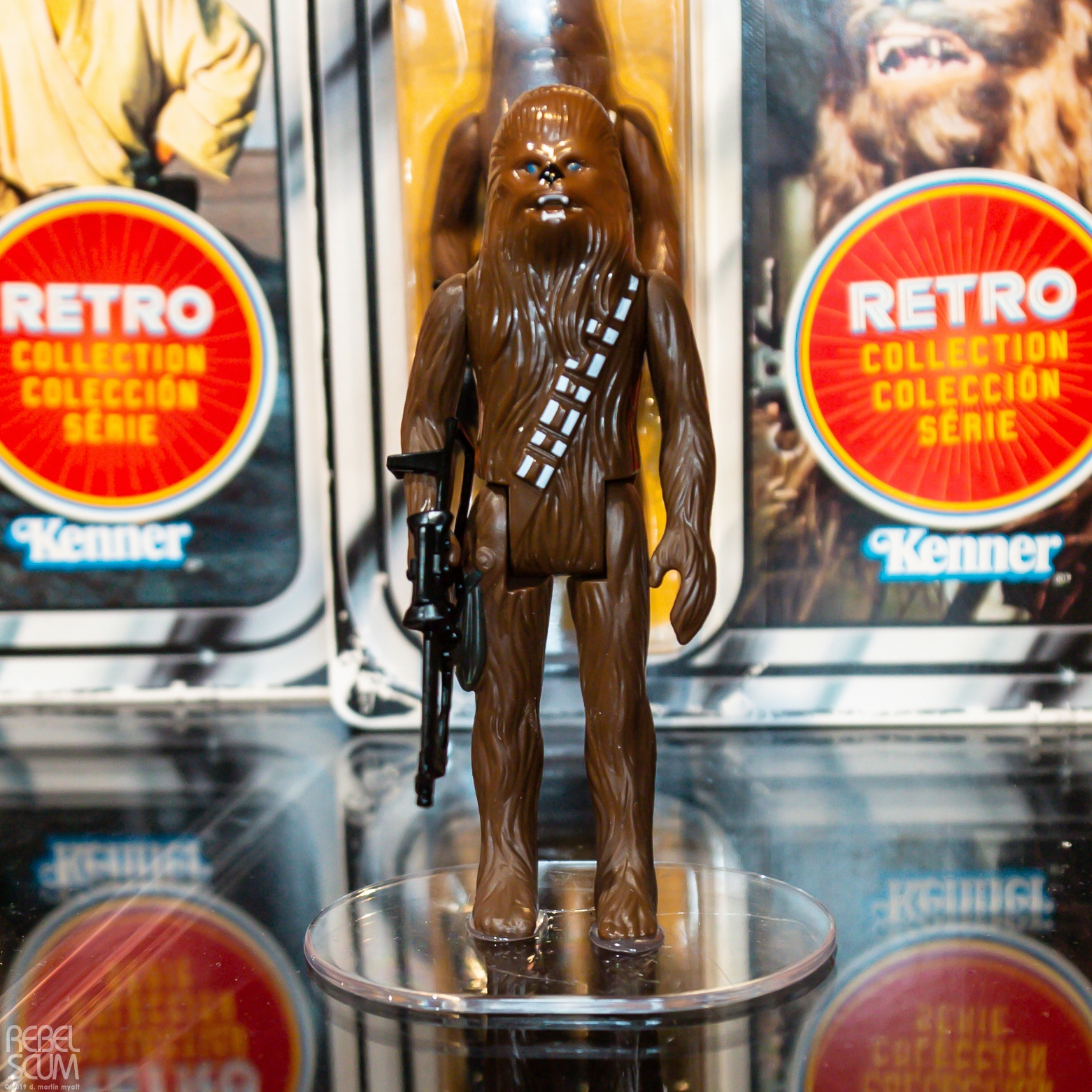 SW Retro Chewbacca Figure