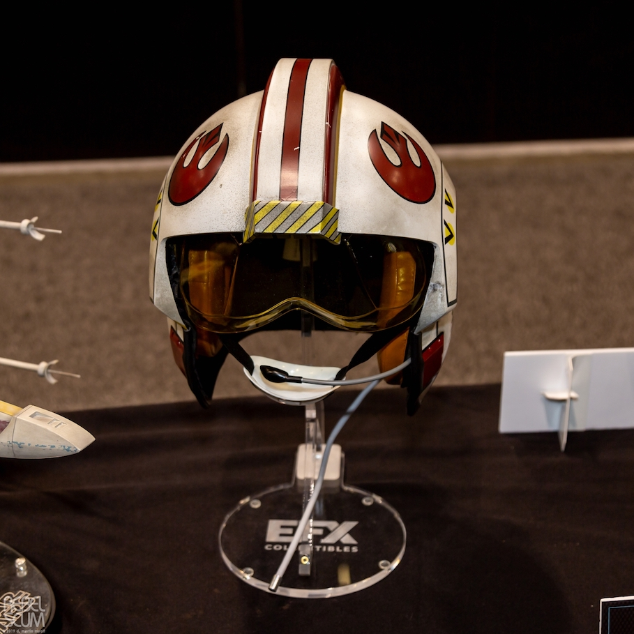 Luke Skywalker X-Wing Pilot Helmets 1