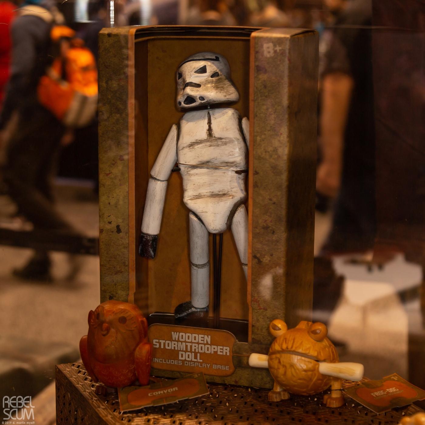 Galaxys-Edge-Star-Wars-Celebration-Chicago-Wood-Figures-01