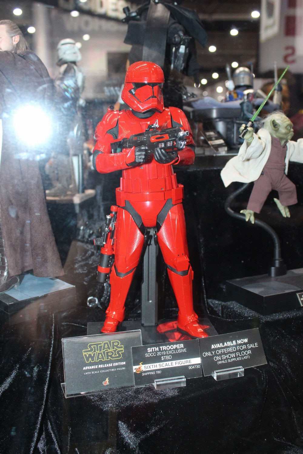 hot-toys-1:6th-Scale-Figure-16