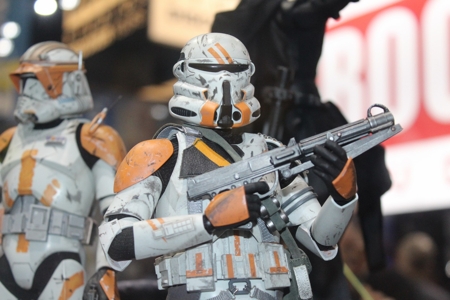 hot-toys-1:6th-Scale-Figure-8