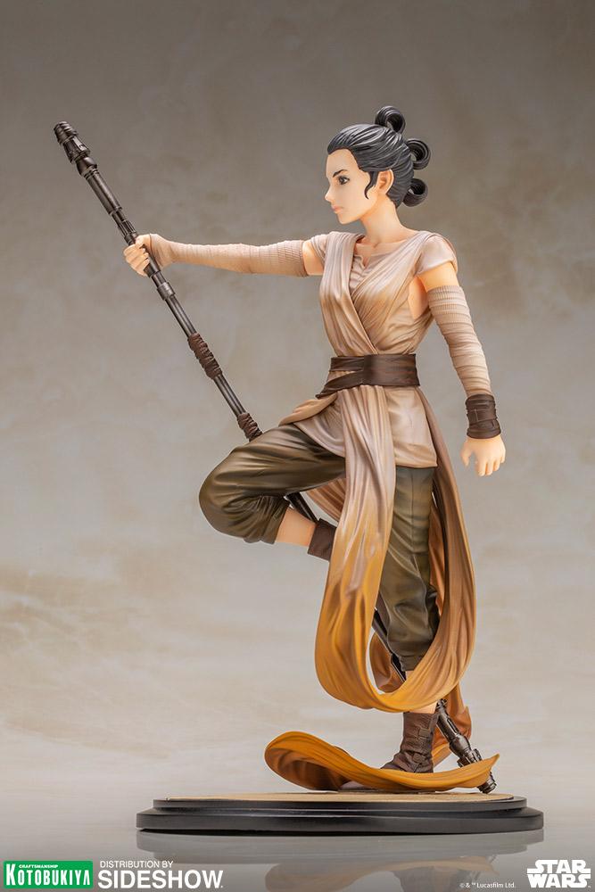 TFA Rey ARTFX Statue 3