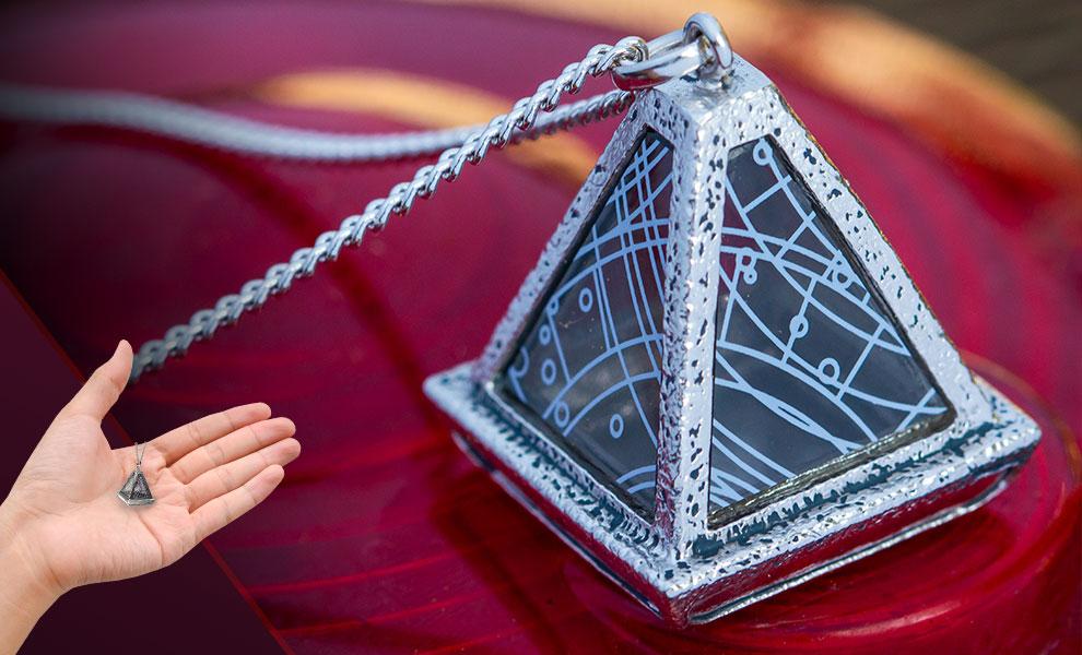 TROS Sith Wayfinder Necklace 1