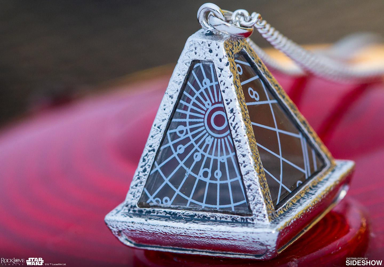 TROS Sith Wayfinder Necklace 2