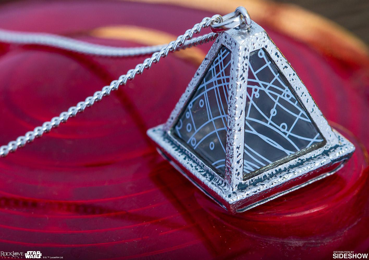 TROS Sith Wayfinder Necklace 3