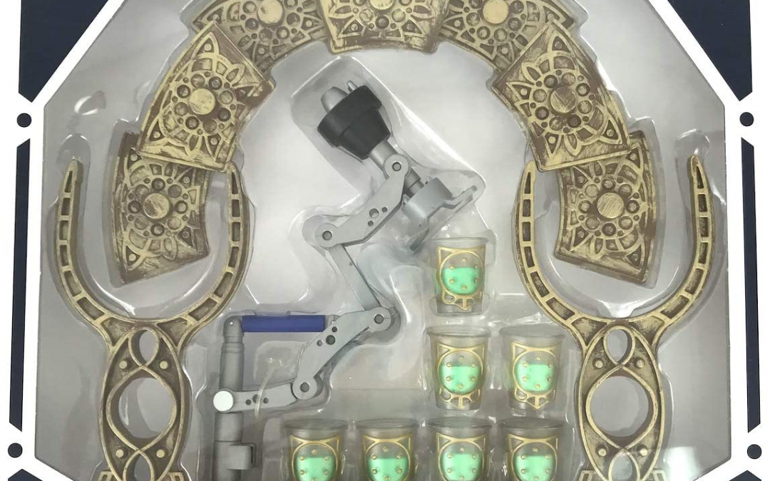 New Galaxy's Edge Droid Depot R-Series Serving Tray Set available!