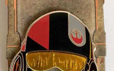 New Galaxy's Edge Poe Dameron X-Wing Pilot Helmet Pin available!